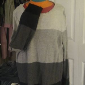 XL Croft & Barrow shades of grey like new sweater